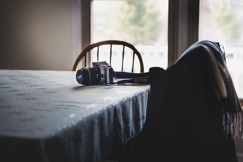Camera_on_Table_0001.jpg