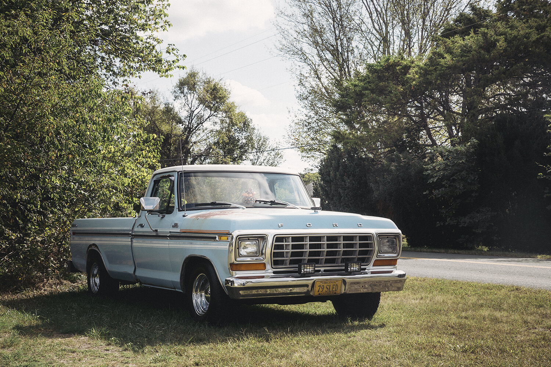 Old_Blue_Truck_0010.jpg