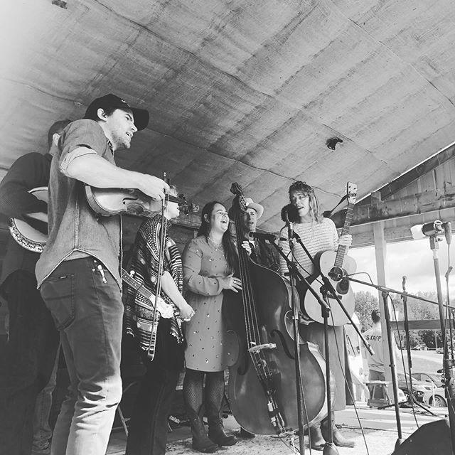 Sunday morning gospel bringin' us home✨ with Nadine Landry and friends 😍 @nadineandsammy @reebwillms @calebklauder @kc_jones_87