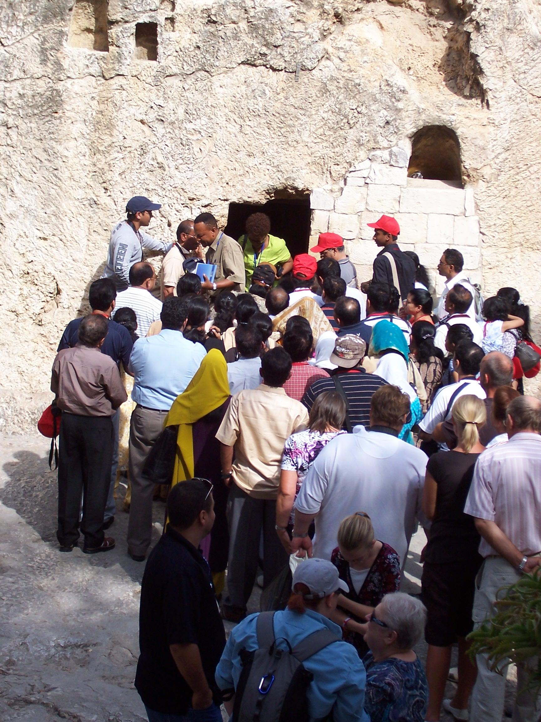 EH_Israel_b 104 - Christ's Tomb.jpg