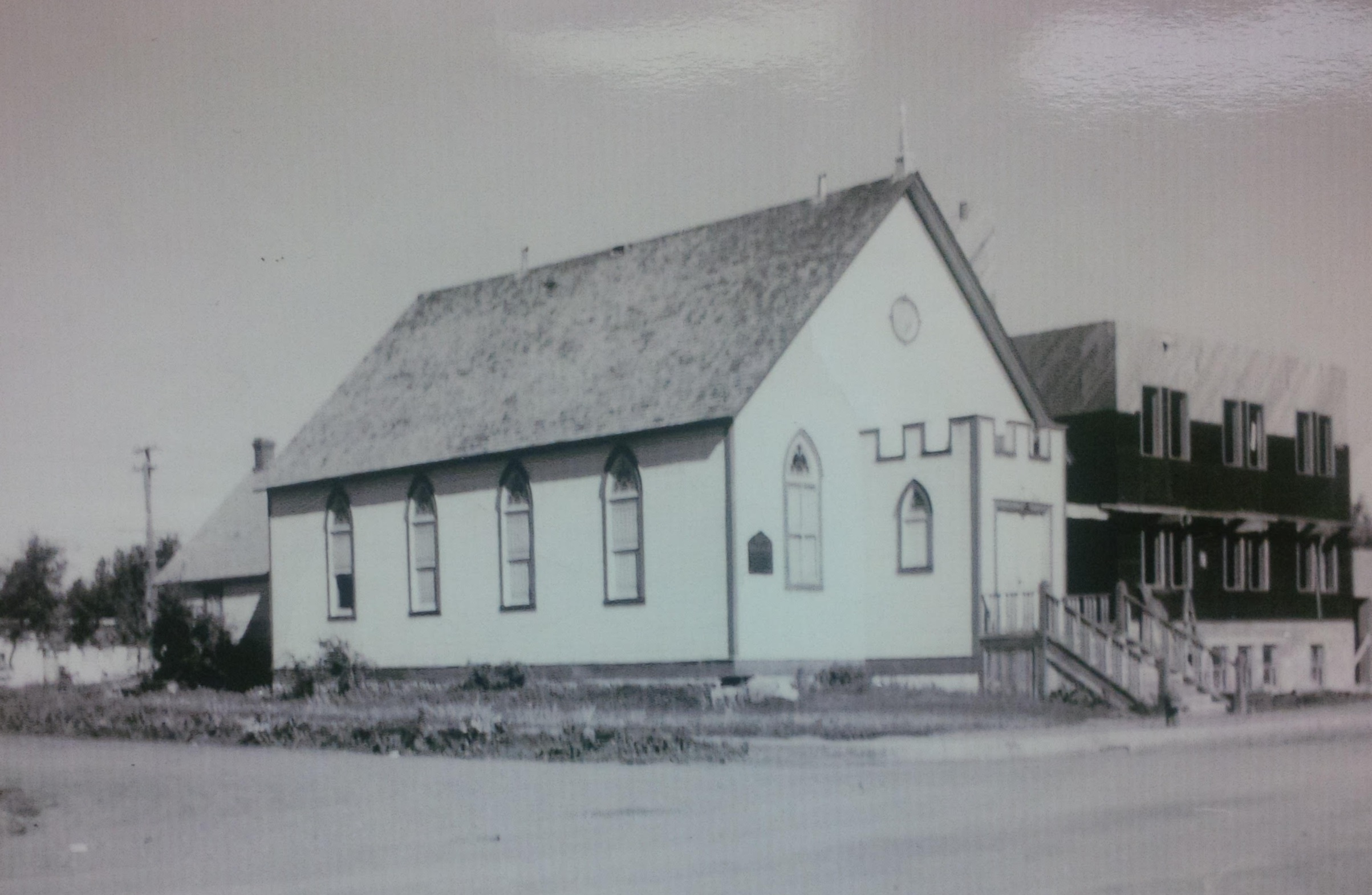 This little old white church sat on what is now the sanctuary. The larger structure under construction behind it is the new 1948 church which became the Upper Hall when the current sanctuary was built.