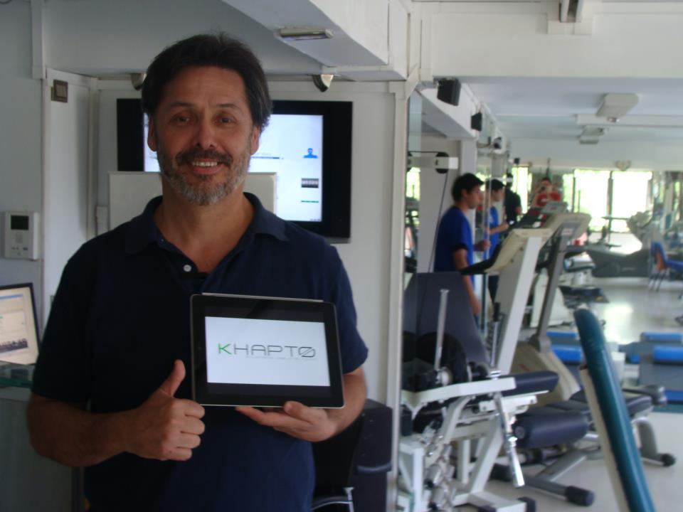clinica de ejercicio kw - guante kahpto - carlos espinoza pastrian.jpg