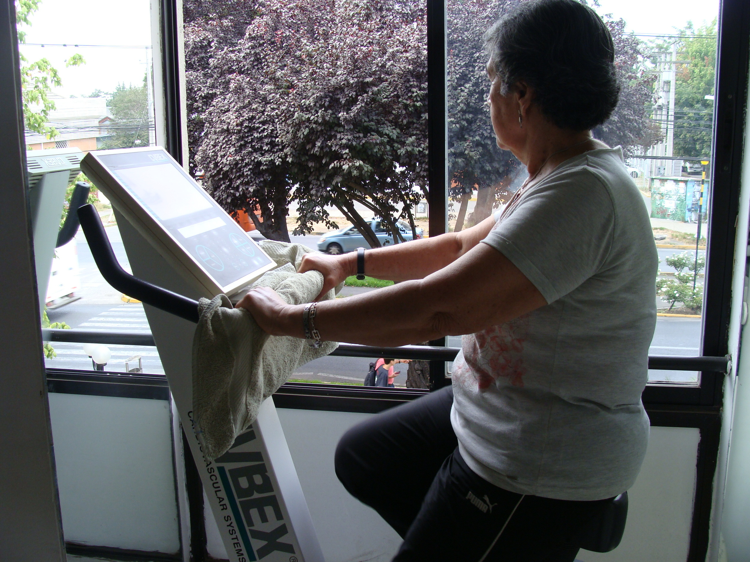 clinica de ejercicio kw - kinesiologia - bicicleta.JPG