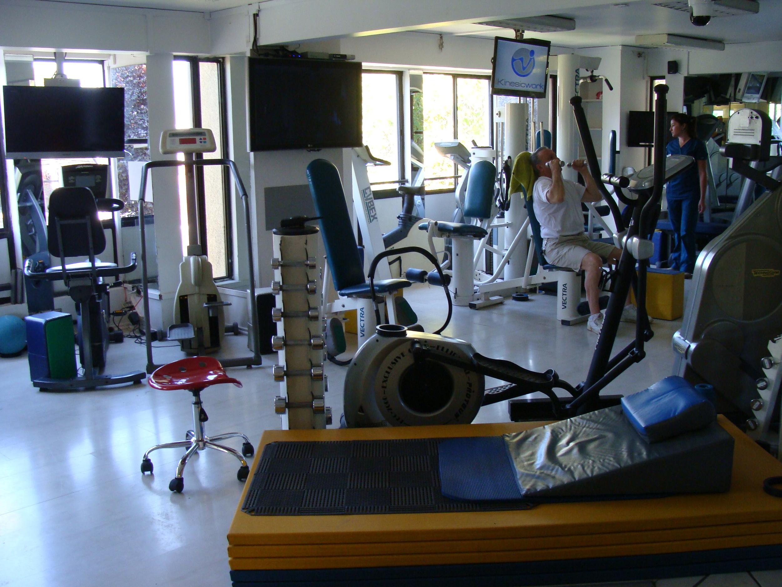 kinesiologia - pacientes - clinica de ejercicio kw.JPG