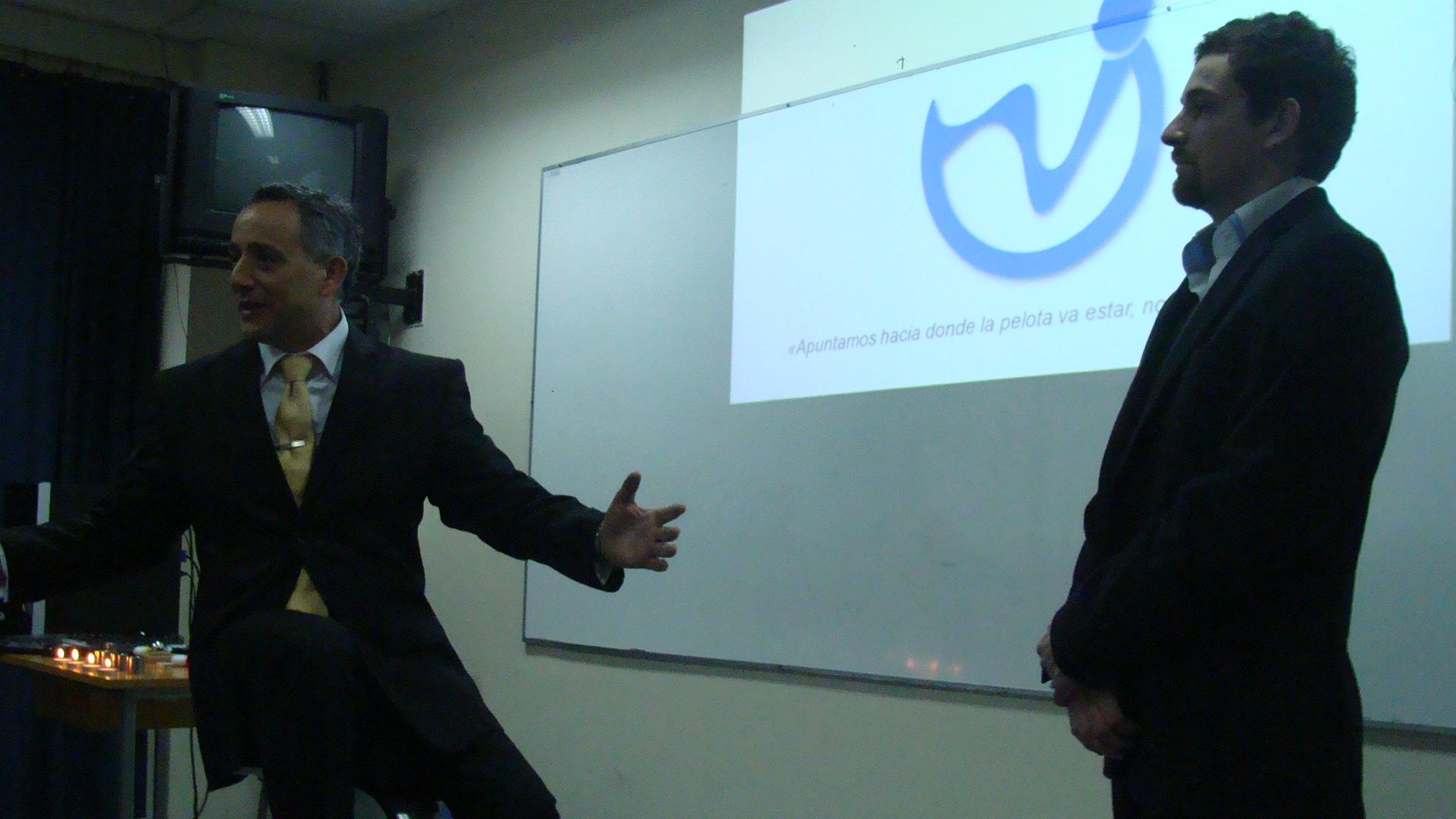 charla dia internacional del movimiento - kinesiologia - kinesiologos - universidad iberoamericana de ciencias y tecnologia - sergio zuñiga toro kinesicwork.JPG