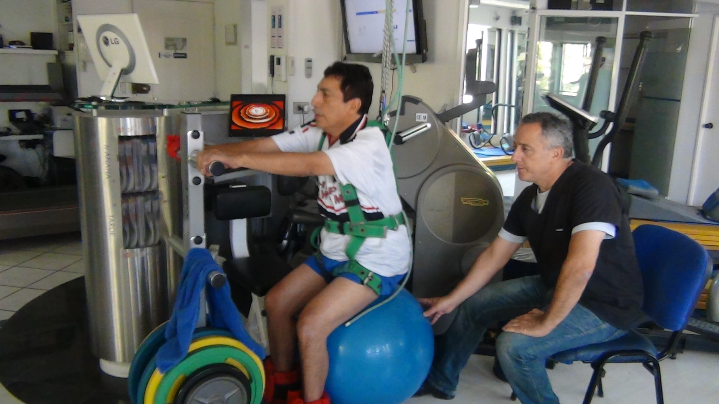 kinesiologia - rehabilitacion - clinica de ejercicio kw - la reina.JPG