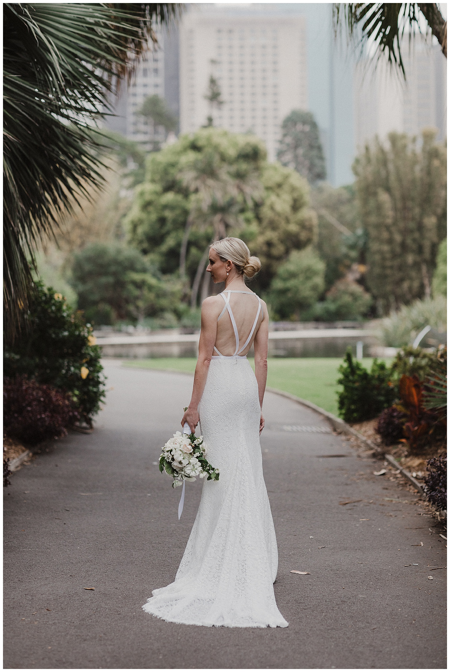 Sydney Bride in Karen Willis Holmes Dress at the Royal Botanic Gardens
