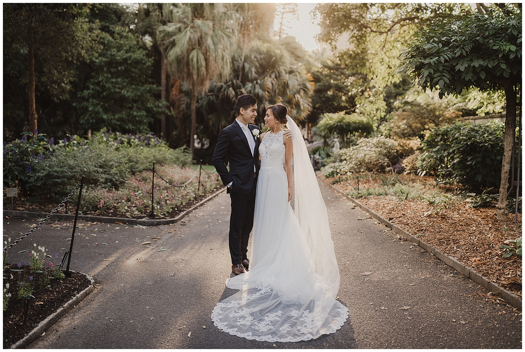 Sydney Bride and Groom in Botanical Gardens