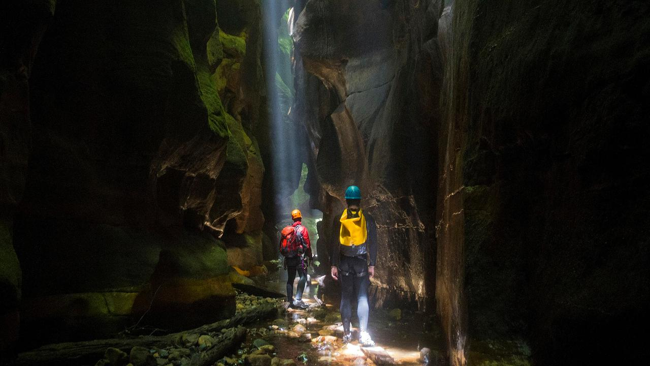 Blue Mountains Women S Intermediate Canyoning Adventure
