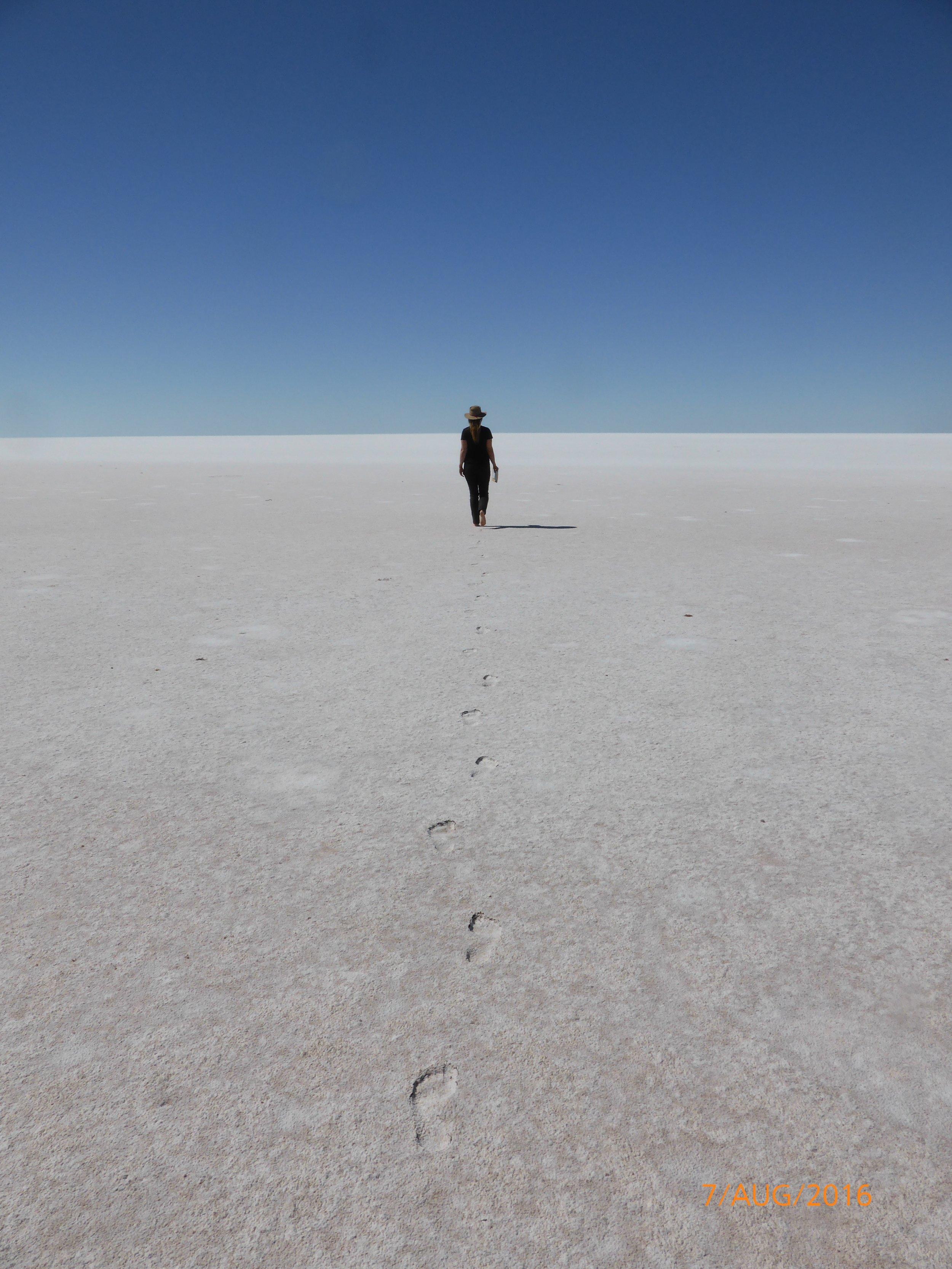 Lake Mackay walk.jpg