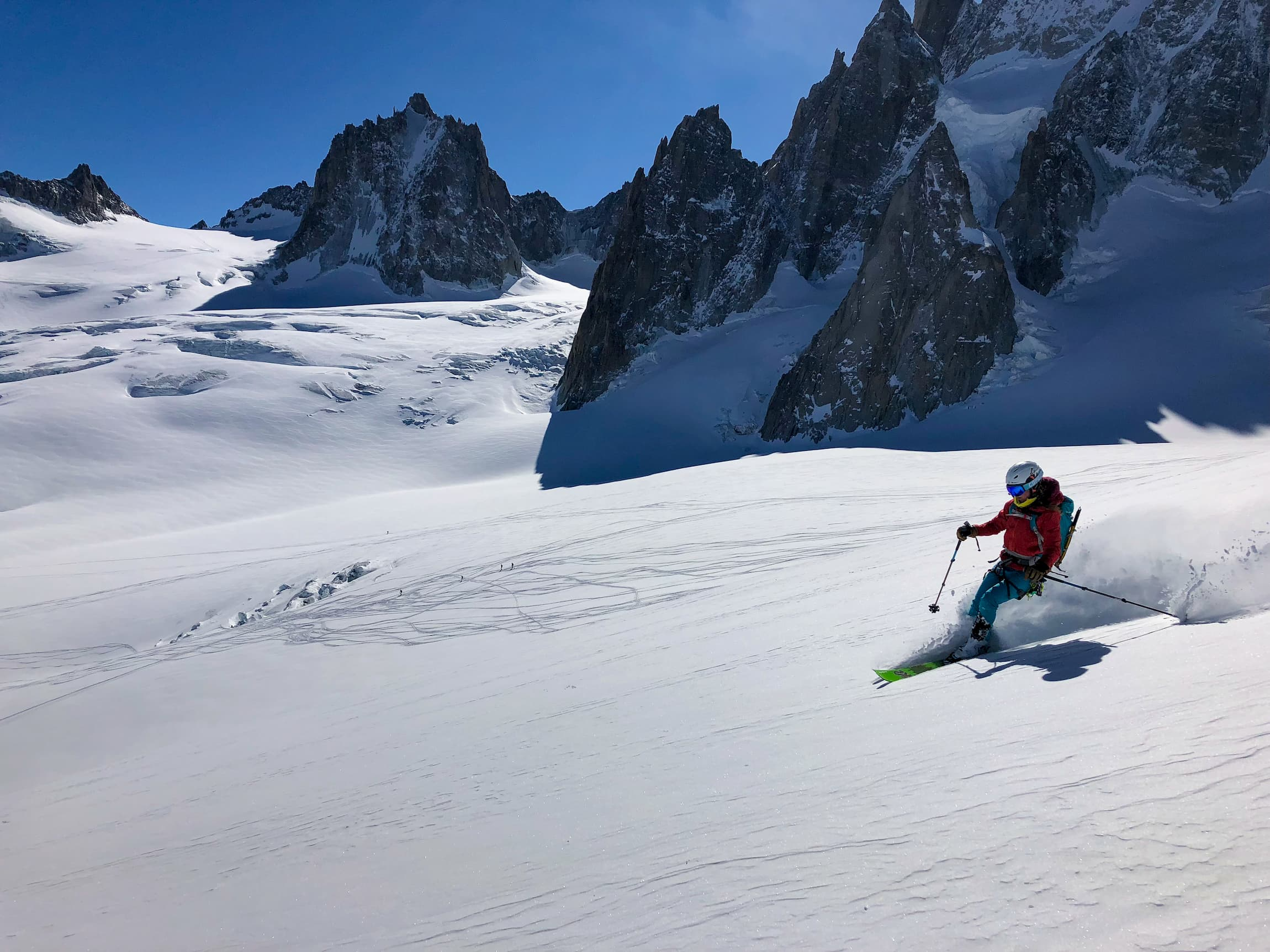 Skiing beautiful powder on the famous Vallee Blanche - glacier skiing among the incredible granite peaks of the Mont Blanc moutains with Icicle Mountain Adventures
