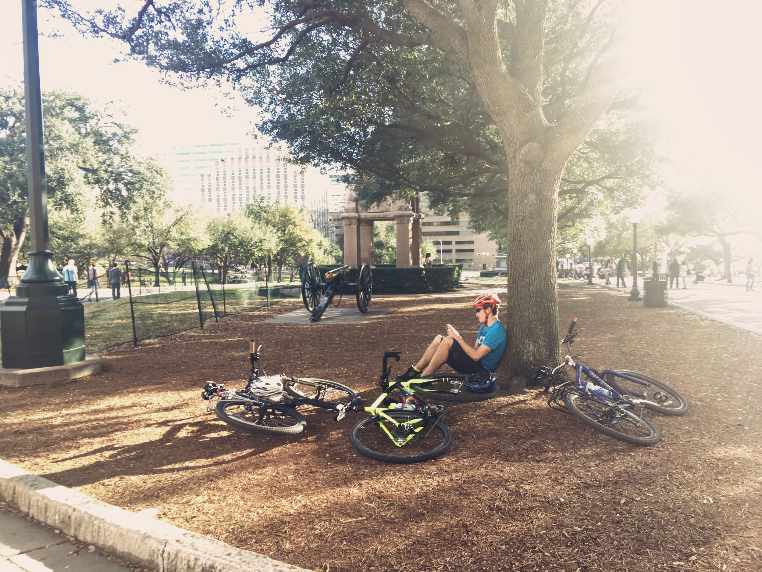 Things_to_do_in_Austin_bike_riding_travel_tips_by_Chanel_G_Photography