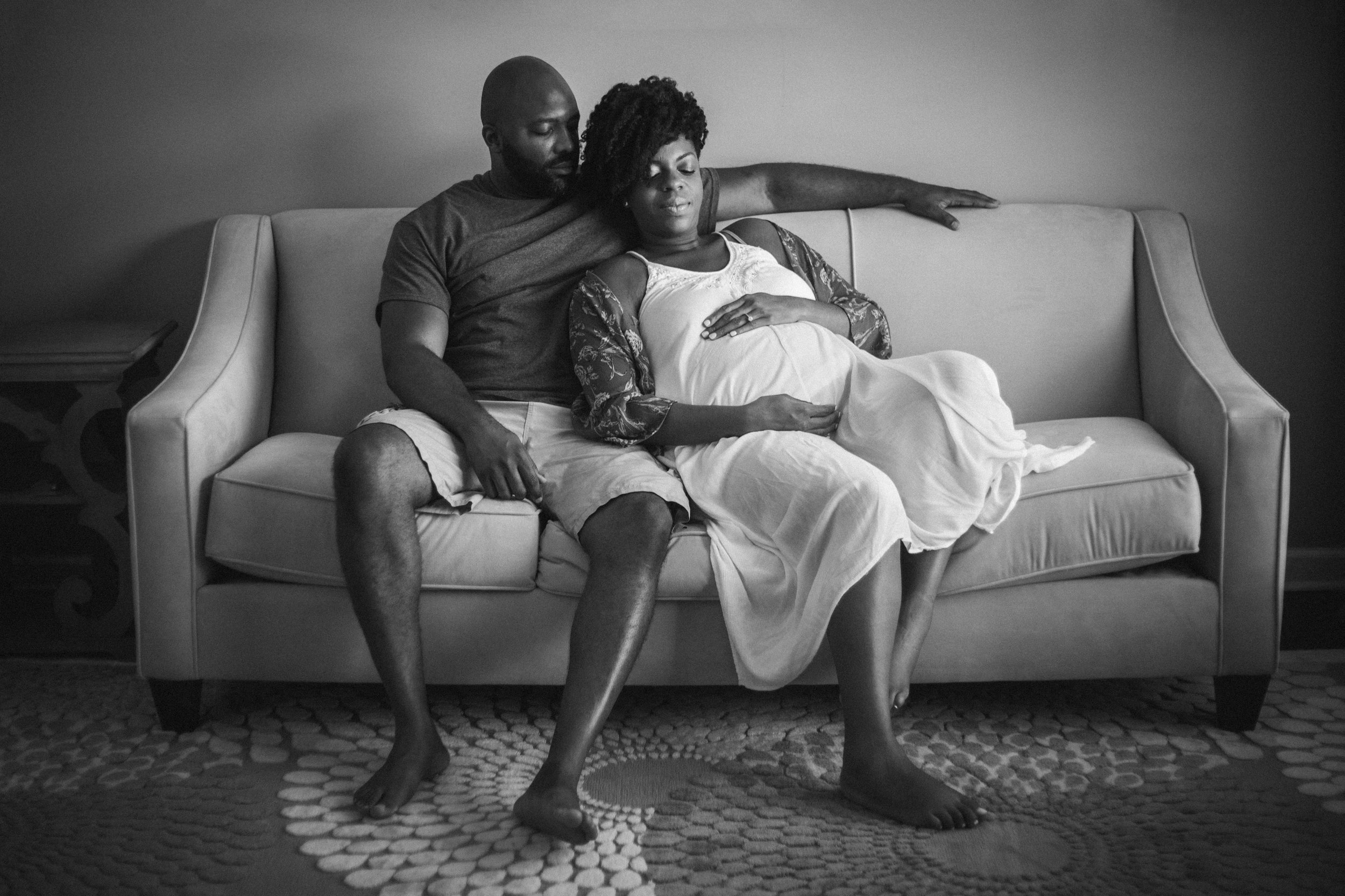Atlanta-intimate-maternity-session-in-home-by-photographer-Chanel-French