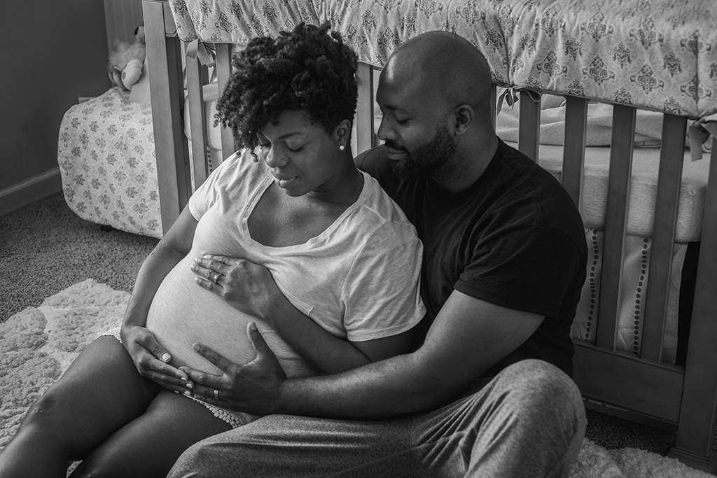 intimate-in-home-maternity-session-by-atlanta-photographer-chanel-french-23_36379946722_o.jpg