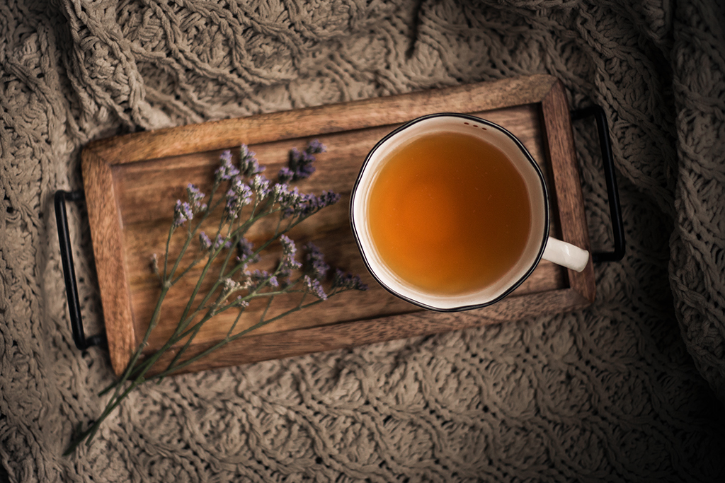 Blogger-tips-for-beginners-purple-flowers-and-tea-cup-by-Atlanta-photographer-Chanel-G-Photography-1.jpg