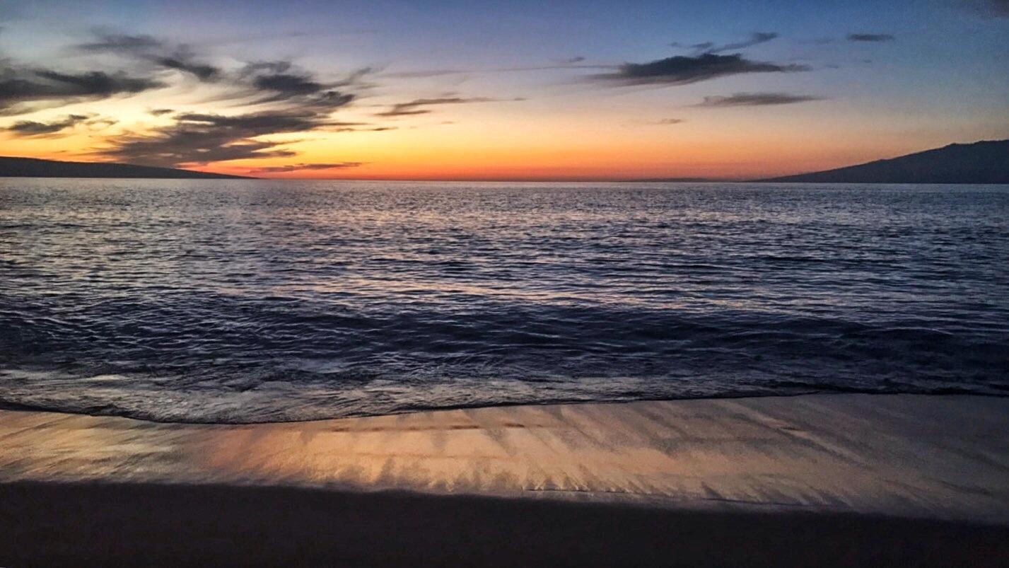 Hawaii-Lahaina-beach-sunset-by-Atlanta-photographer-Chanel-French-12
