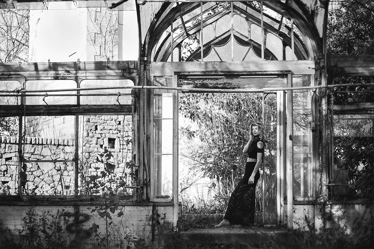Atlanta-abandoned-greenhouse-with-Jenna-Schulz-by-photographer-Chanel-French.jpg