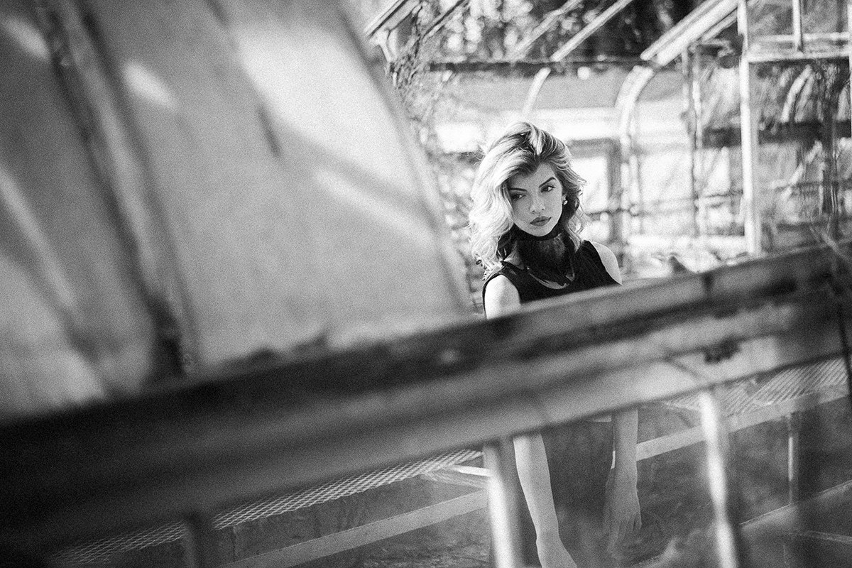 Atlanta-abandoned-greenhouse-with-model-Jenna-Schulz-by-photographer-Chanel-French.jpg