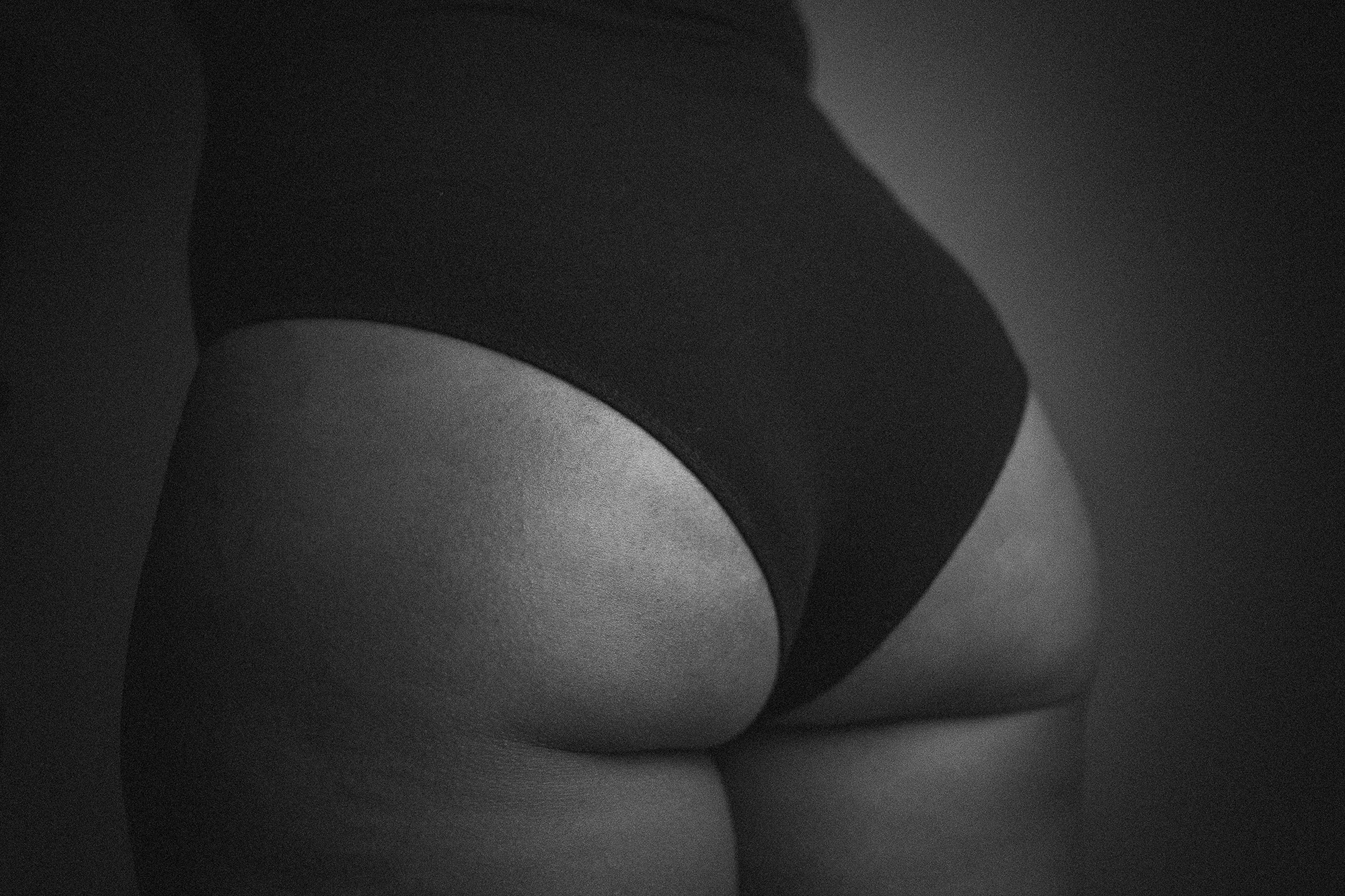 Black-womans-natural-butt-by-Atlanta-photographer-Chanel-French