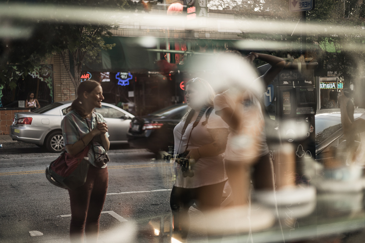 Street-photography-tutorial-by-Atlanta-Little-Five-Points-by-photographer-Chanel-French