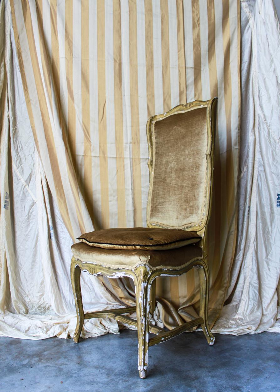 gold chair turn.jpg