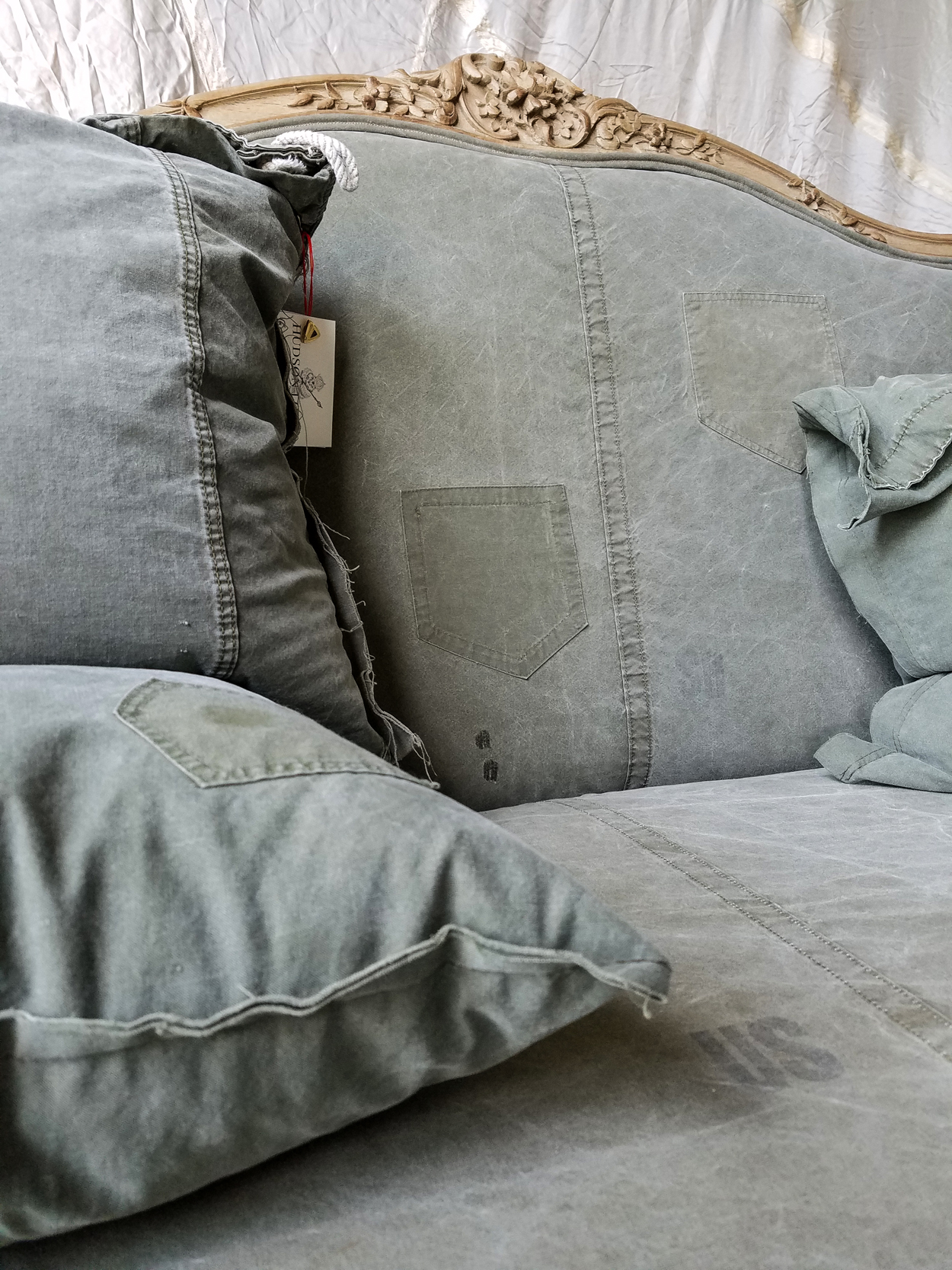 surplus couch detail US_sm.jpg