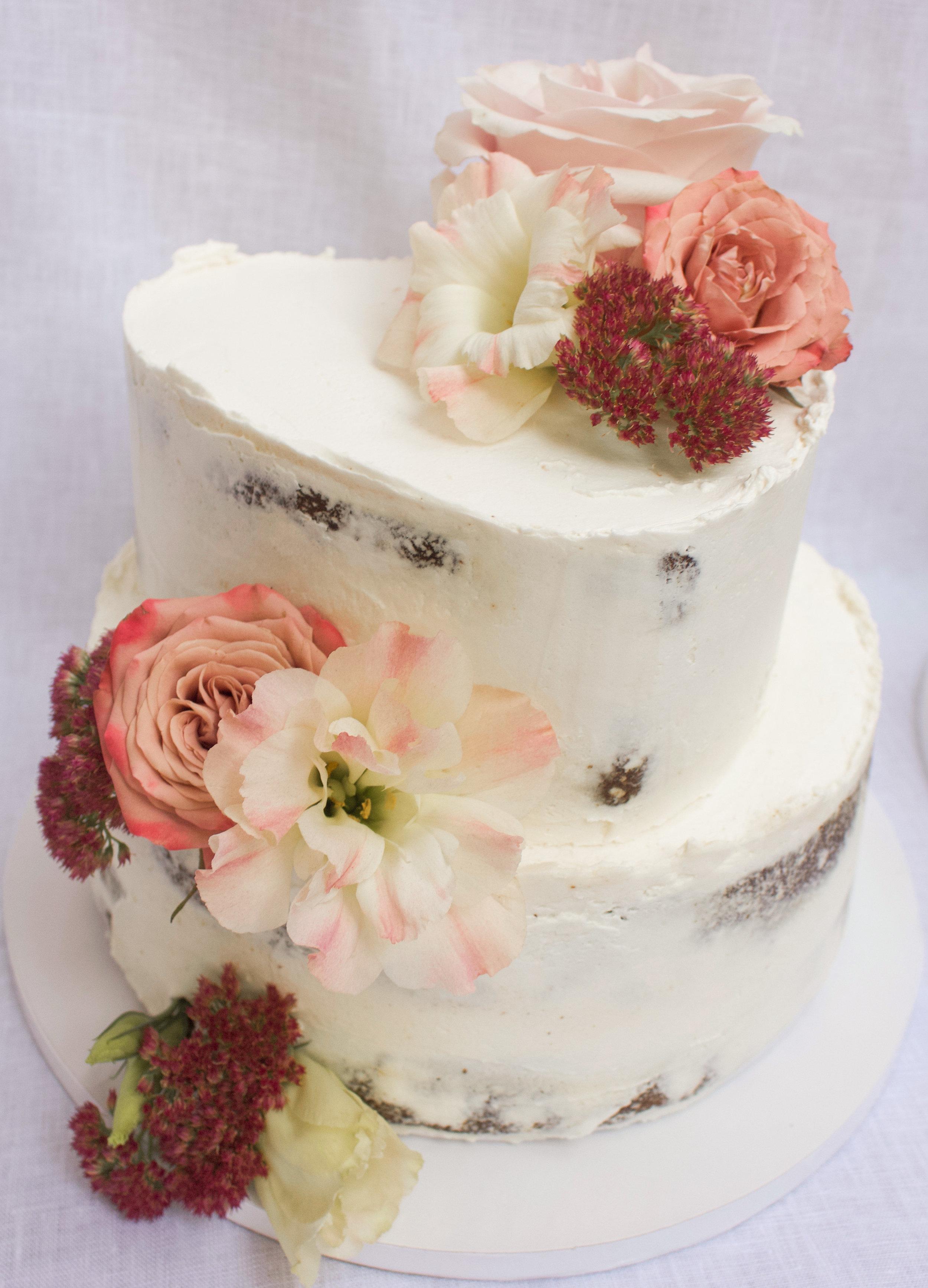 < vegan gingerbread & pear w/ salted caramel wedding cake >