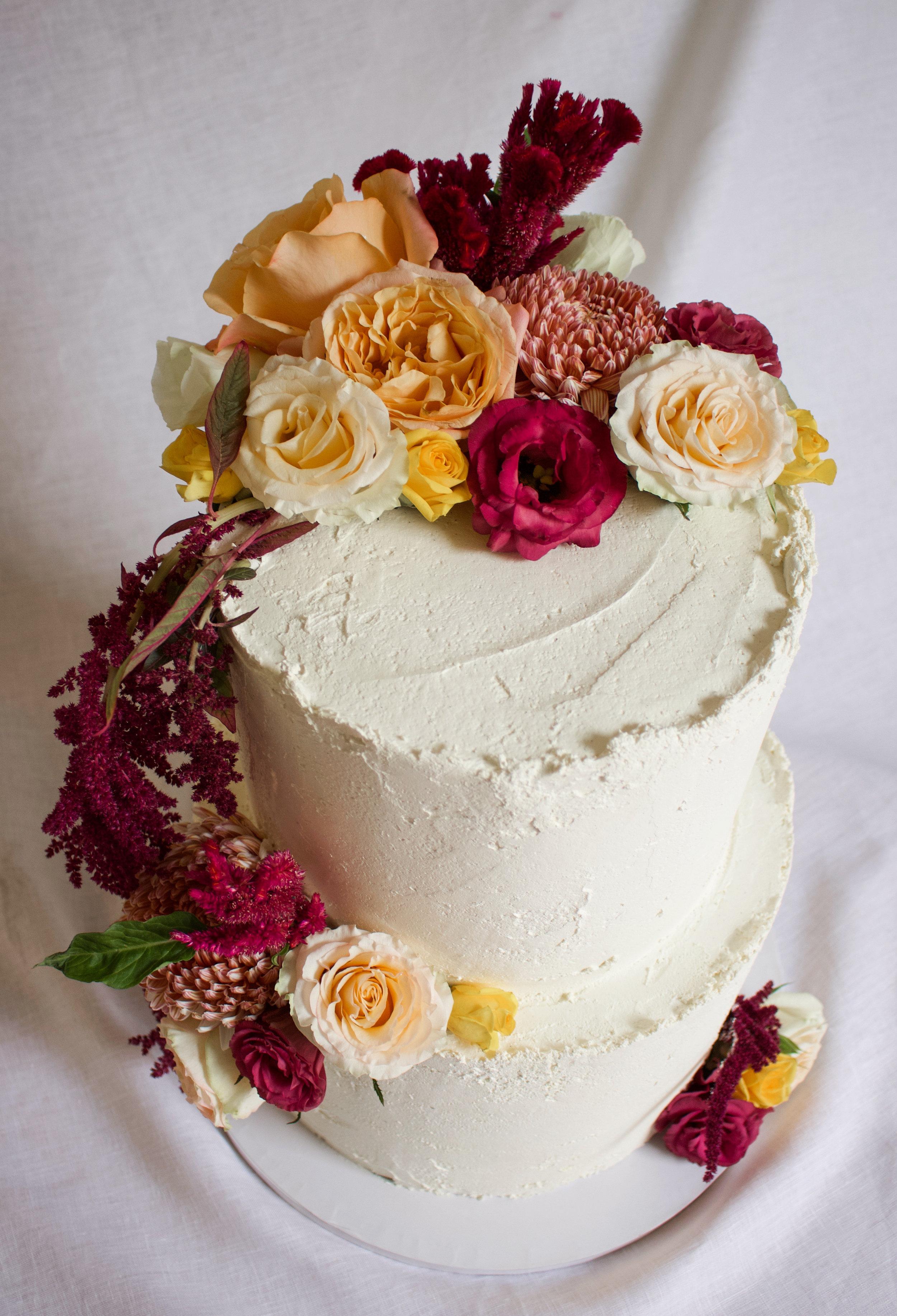 < persian love & chocolate wedding cake >