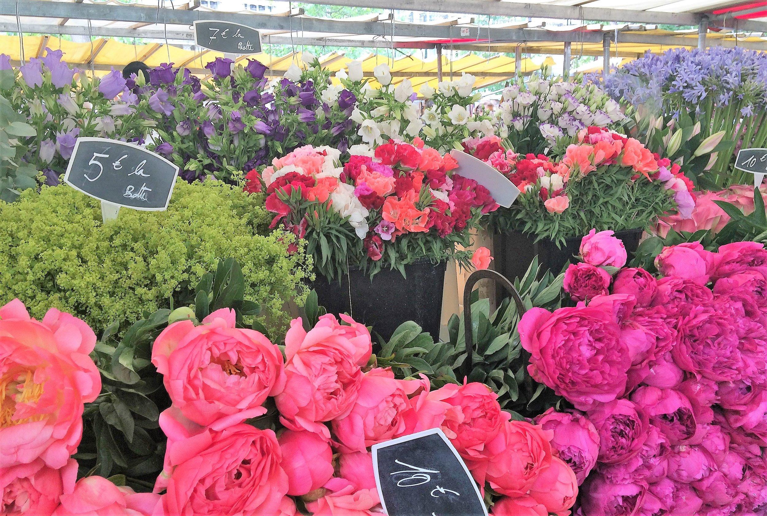 Sunday morning market in the Marais