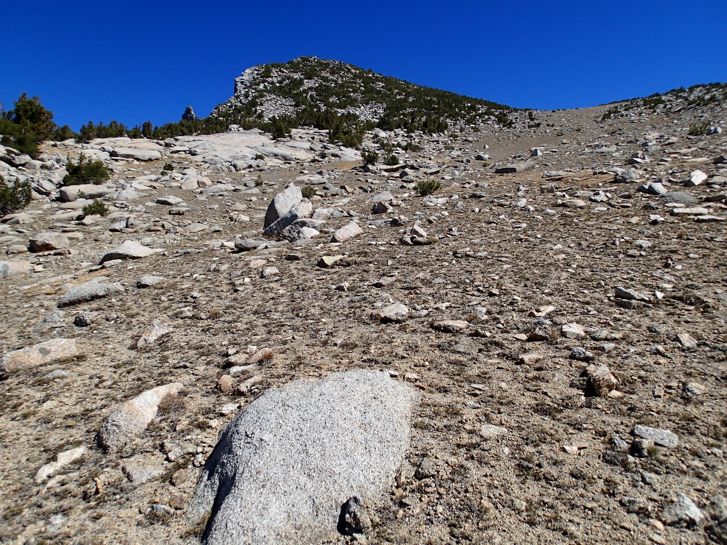 Upper sandy slope to King Col
