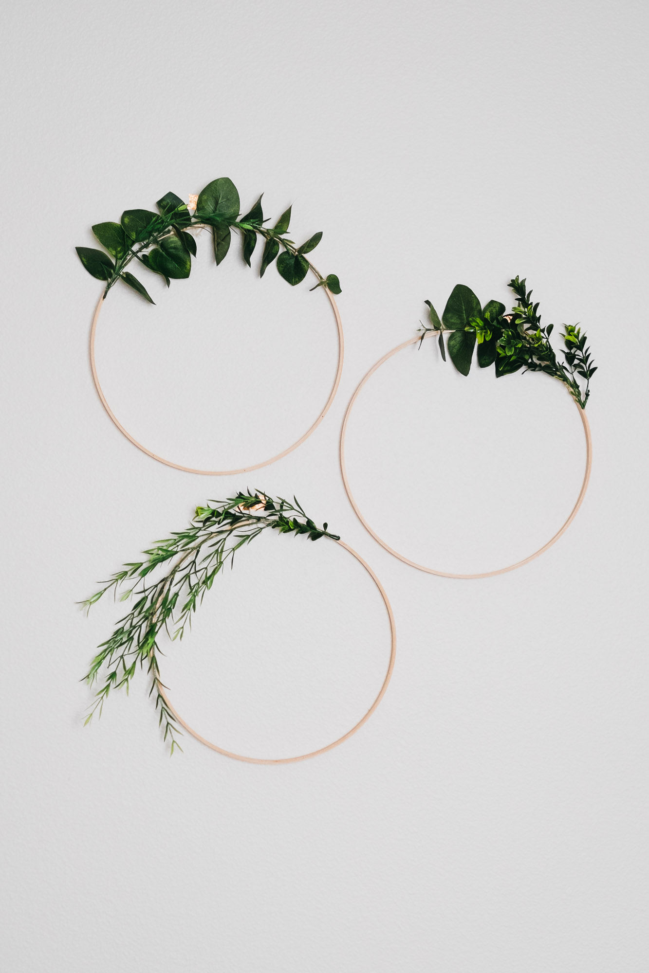 Easy Diy Boxwood and Eucalyptus Wreaths.jpg