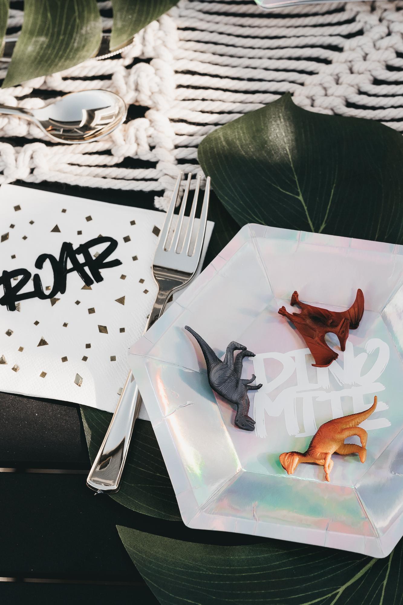 bradens third dinosaur birthday-44.jpg