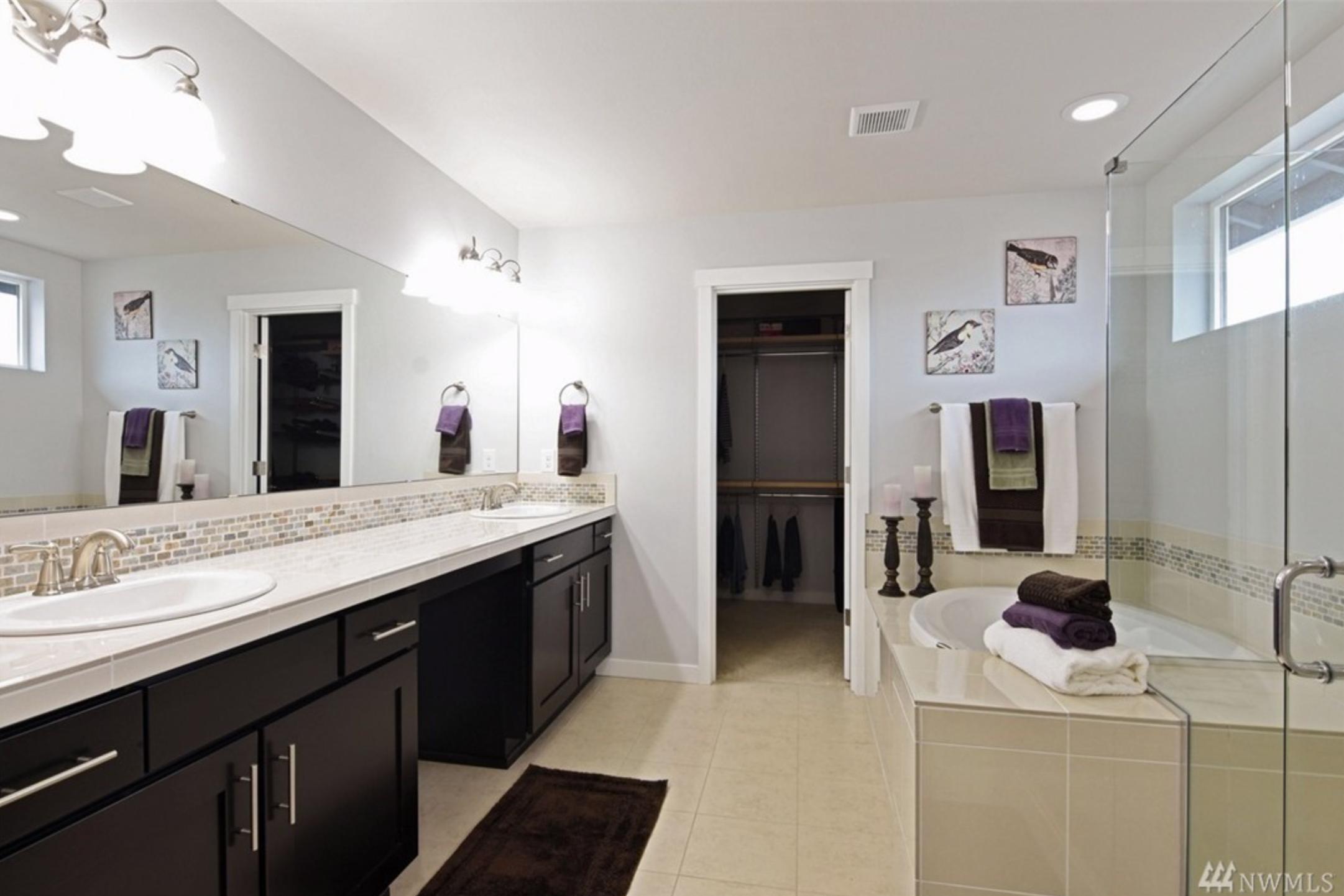 Main Bathroom Original.png