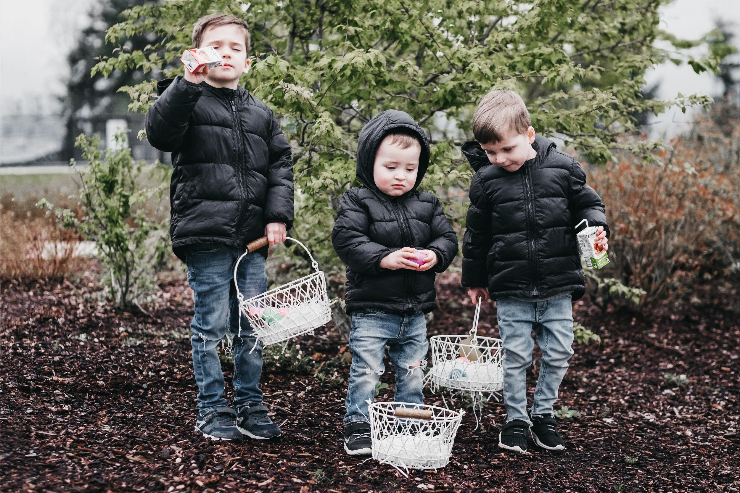 Neighborhood Easter Egg Hunt-3.jpg