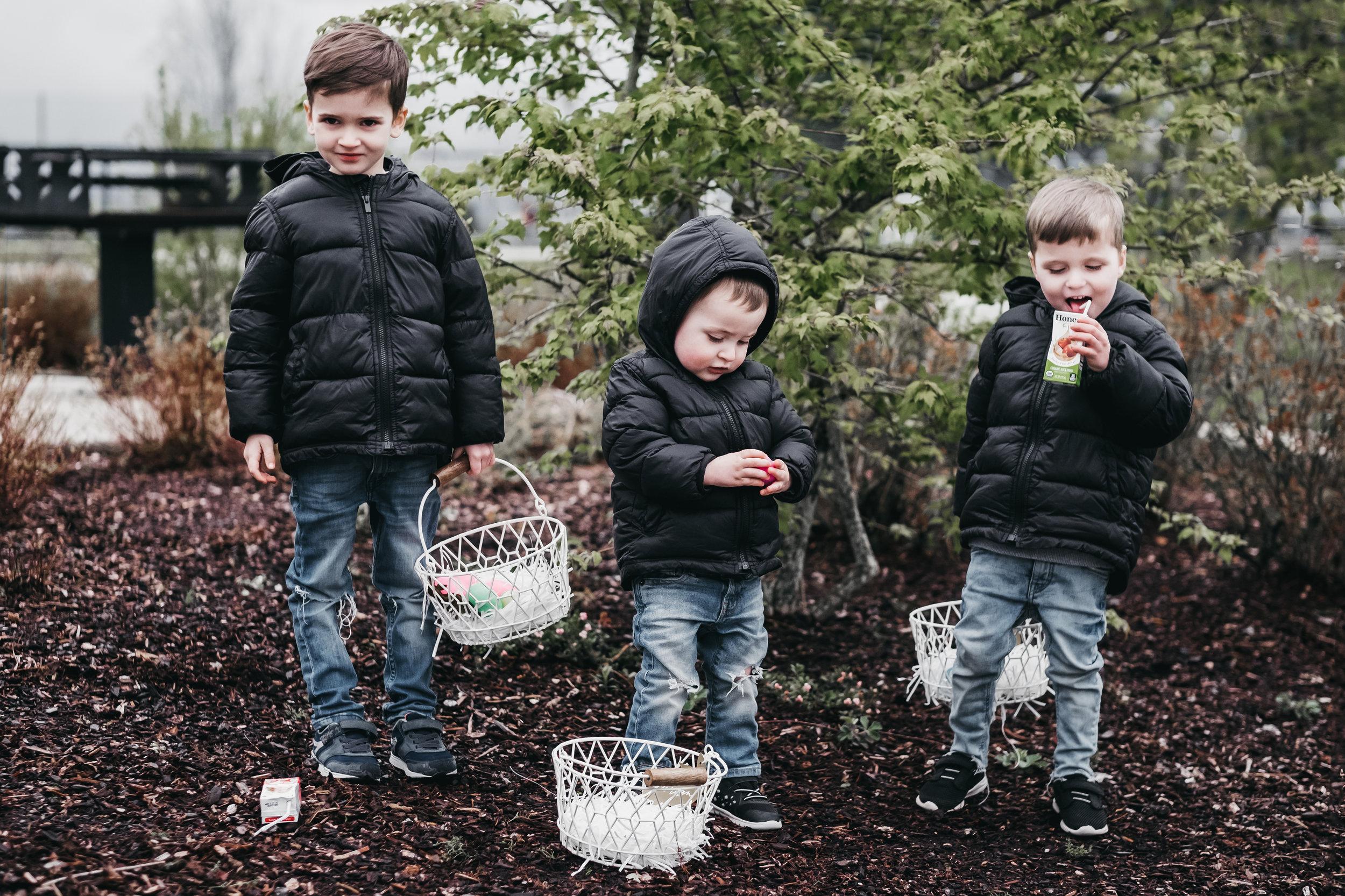 Neighborhood Easter Egg Hunt-5.jpg