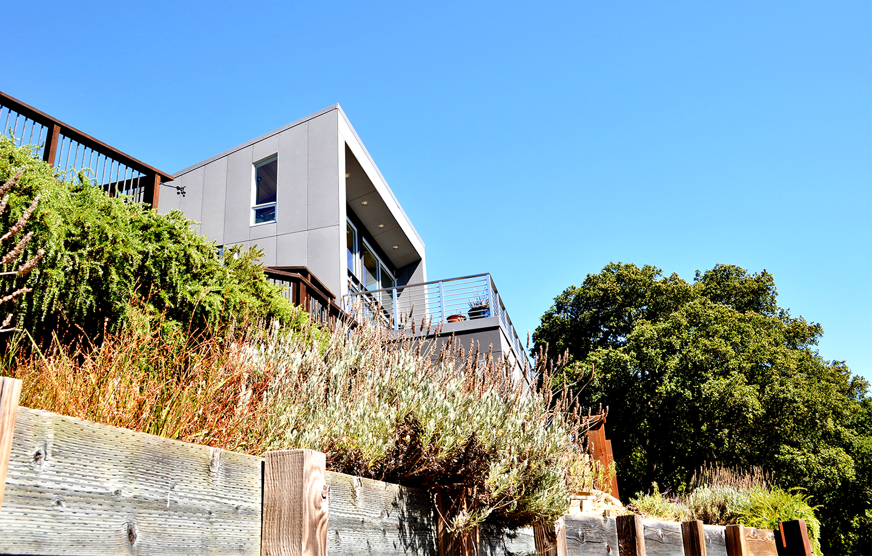Favre Ridge Residence - Los Gatos, CA - Exterior Fence