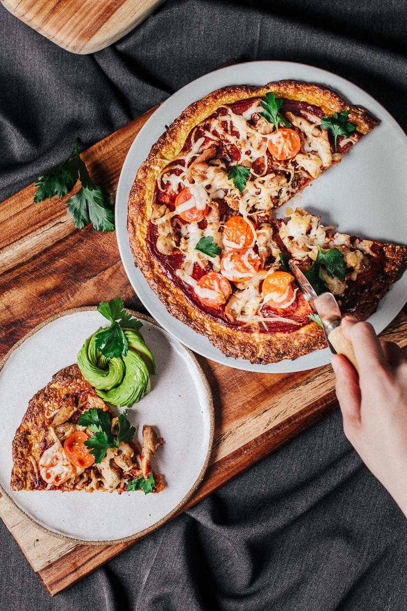 The_Easiest_Cauliflower_Pizza2_Jordan_Pie_Nutritionist_Photographer2-3.jpg