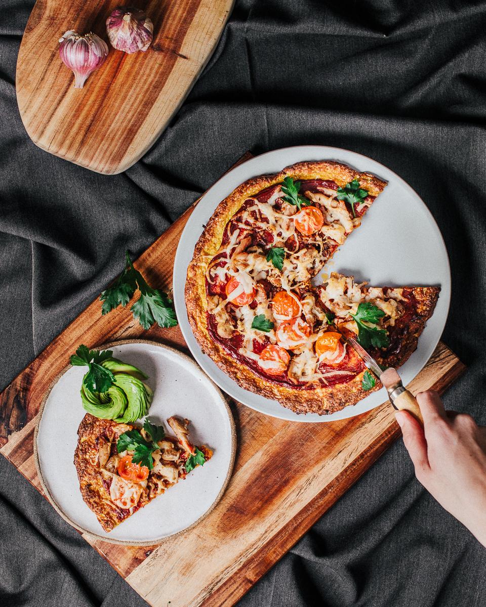 The_Easiest_Cauliflower_Pizza2_Jordan_Pie_Nutritionist_Photographer2-4.jpg