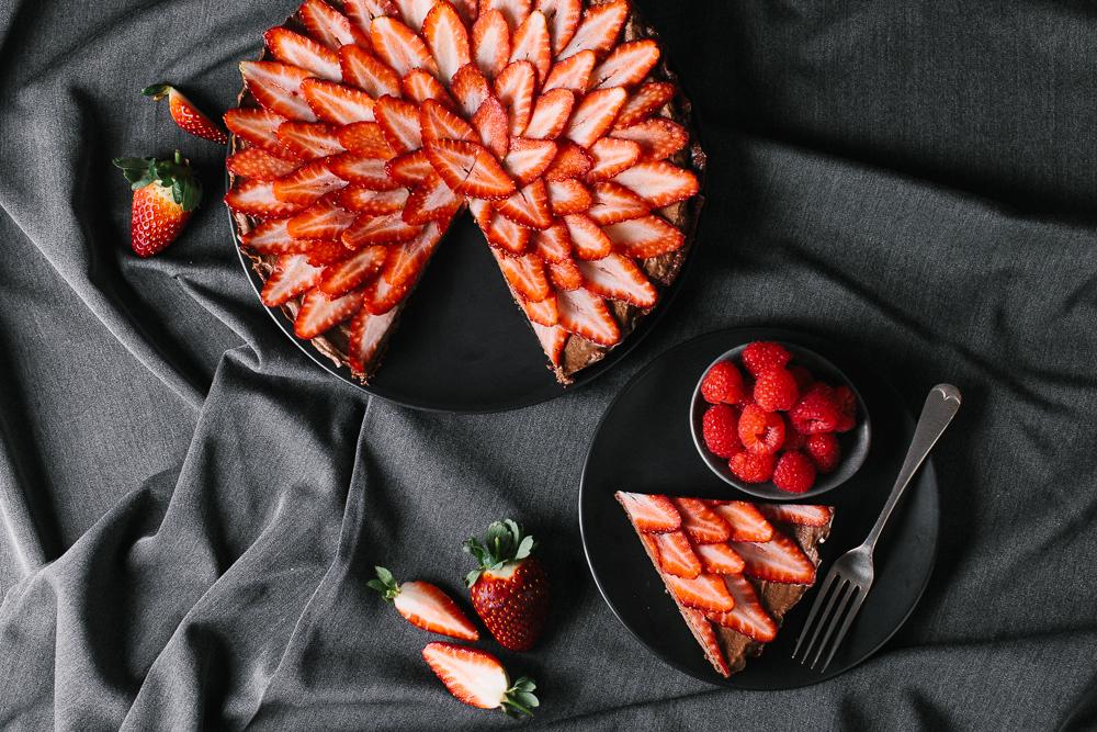 Raw_Chocoalte_Strawberry_Tart_by_Jordan_Pie_Nutritionist_Photographer-1.jpg