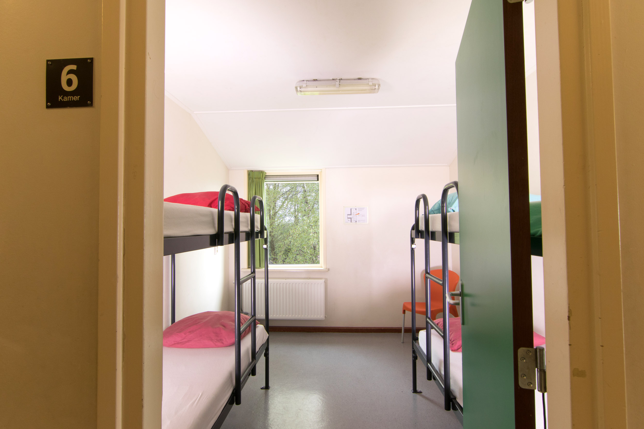 Slaapkamer 6 boven achterzijde - 2500px.jpg