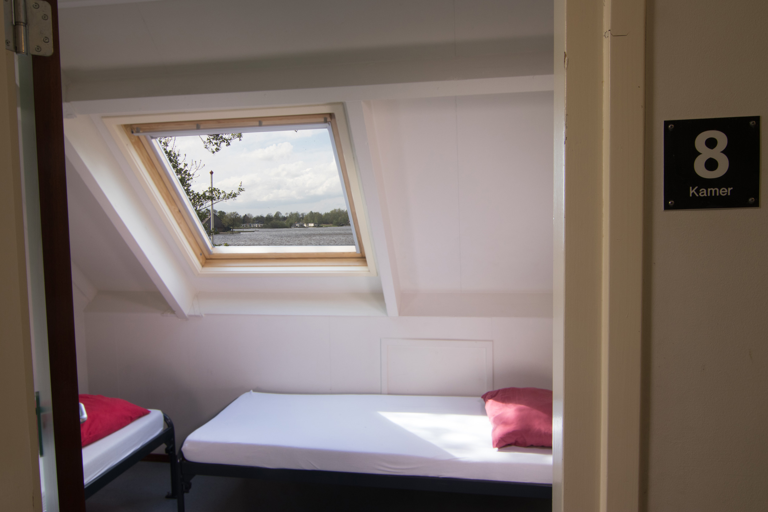 Slaapkamer 8 - 2persoons boven voorzijde - 2500px.jpg