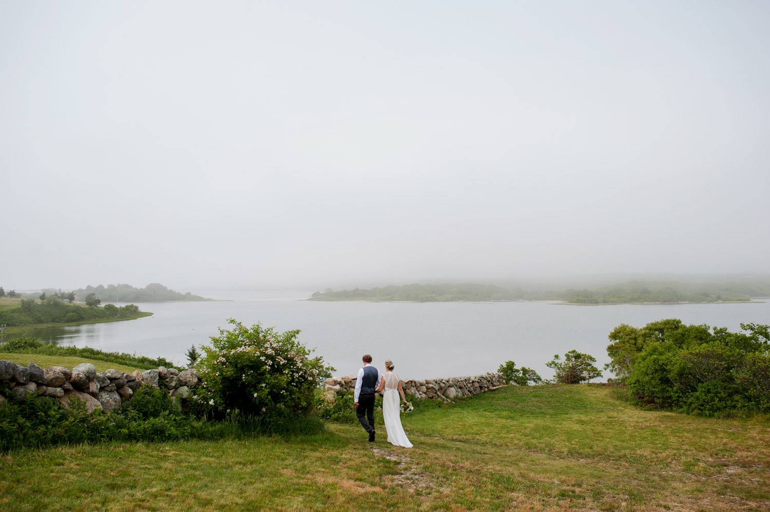 Matt & Molly - Chilmark, MAVenue: Family HomeFloral: Tara GAYLE
