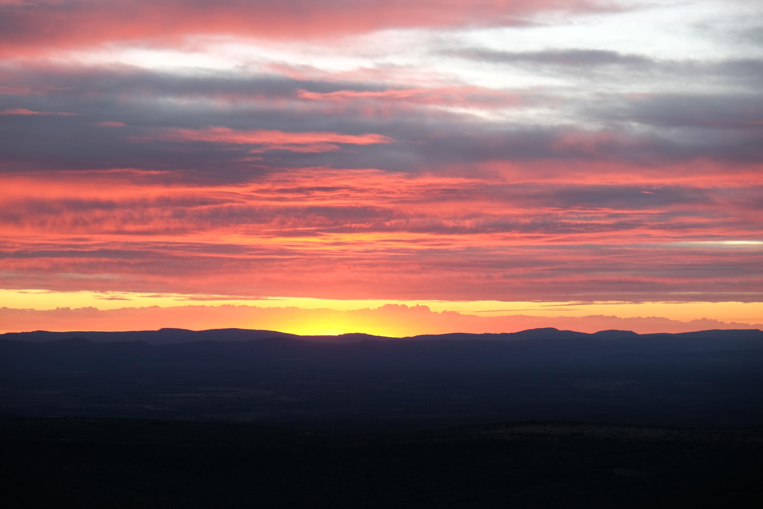 Oui, on aime bien les photos de coucher de soleil, ça fait toujours son petit effet...