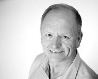 Finn Bækgaard  Partner +45 43 56 52 04 +45 20 12 70 73 (mob)  finn@transit-dk.com