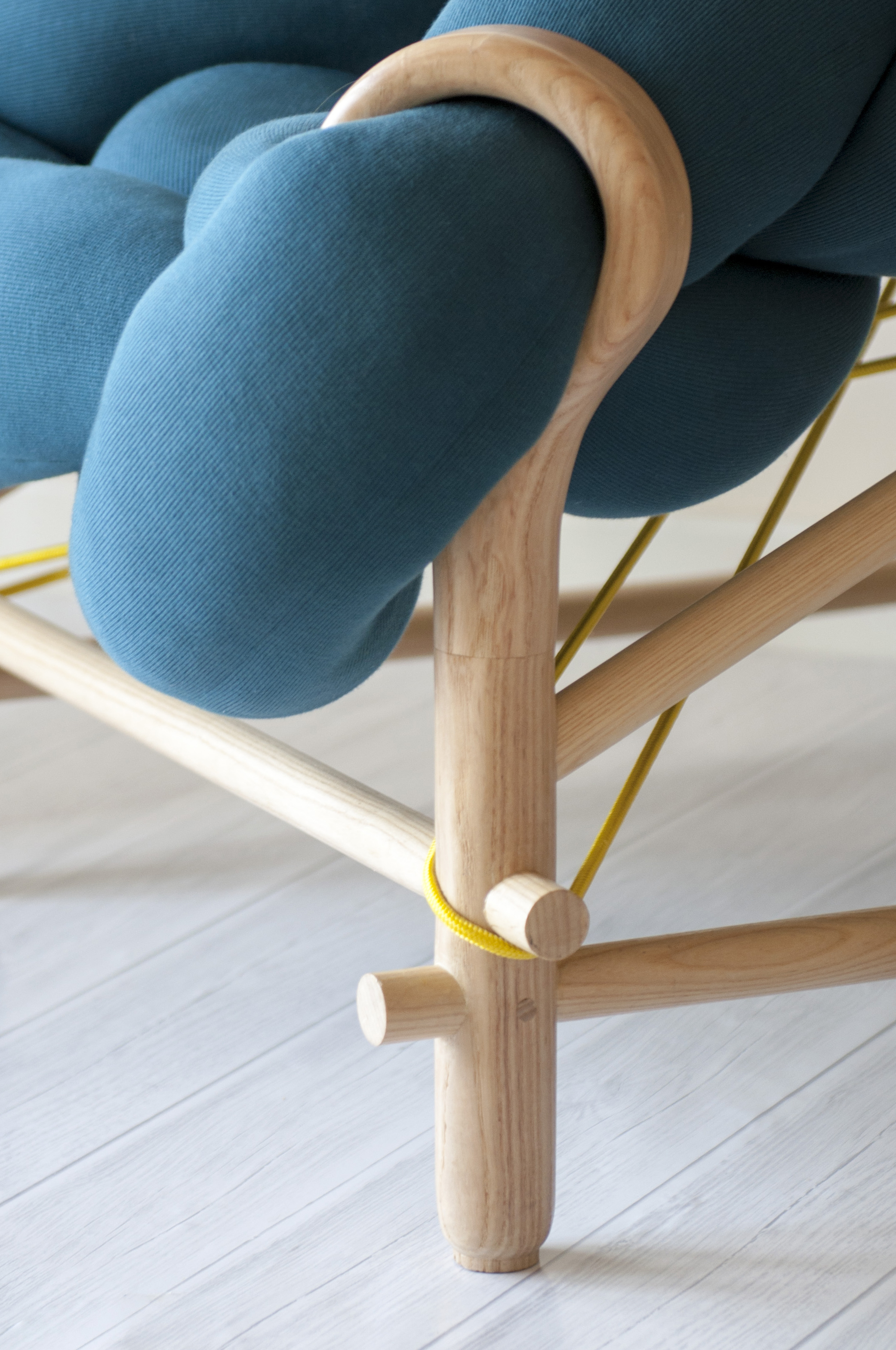 A2 Live Shot, Neddle Chair, veegadesign, C-D31.jpg