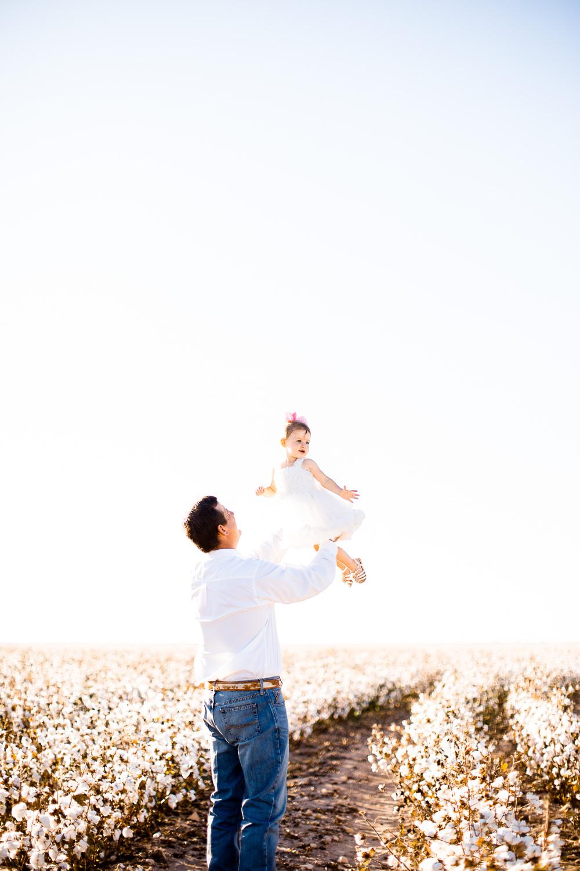 San-Angelo-Family-in-Cotton-12.jpg