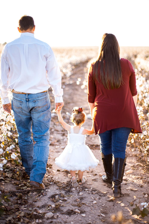 San-Angelo-Family-in-Cotton-22.jpg