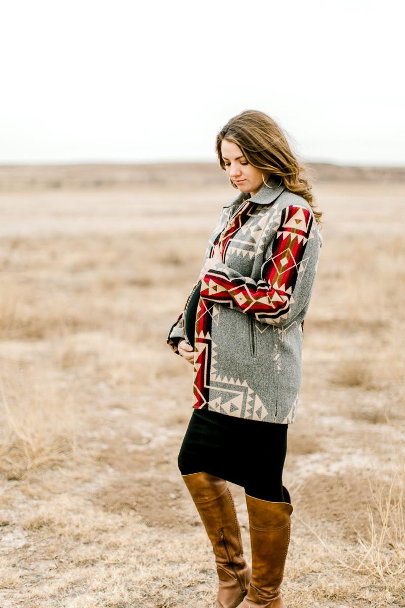 lauren-pendleton-ranch-maternity-shoot-2.jpg