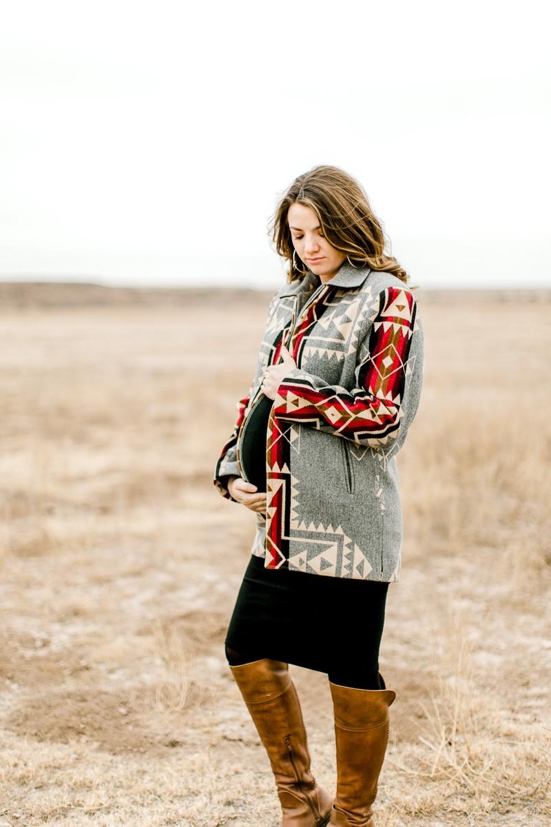 lauren-pendleton-ranch-maternity-shoot-3.jpg