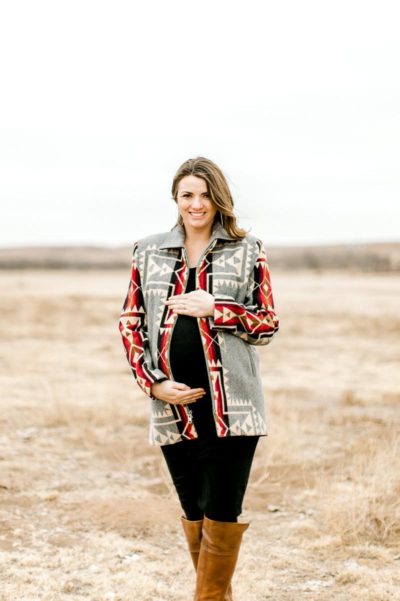 lauren-pendleton-ranch-maternity-shoot-4.jpg